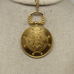 Medalla Cruz de Águila, oro...
