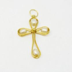 Cruz con perlas, oro de 18K